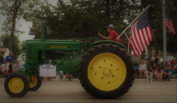 Parade - Tractor